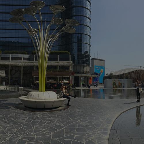 vue panoramique du corso como durant la semaine du design à Milan